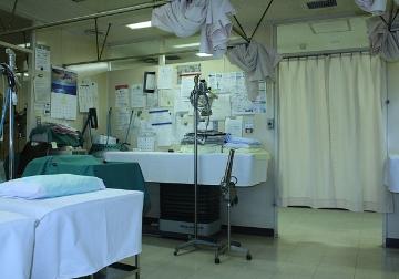 ⻭医者など医療関係店舗の内装解体⼯事