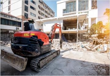 産業廃棄物を不法投棄、もしくは現場に放置、地中に埋めて隠す等