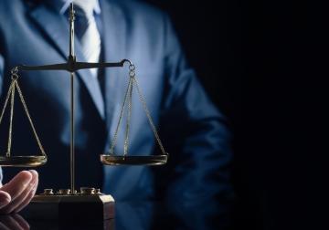 弁護⼠に相談しましょう!1